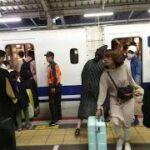 mqdefault 210 150x150 - 2019年5月5日 のぞみ98号(名古屋行き最終列車❗)最終列車ということで車内は混雑してて時間はかかったけど積み残し客を出すことなく少々遅れて発車【GW・Uターンラッシュまだまだ続くよ❗】